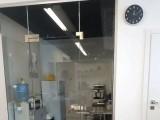 Аренда офисного помещения в Бизнес-центре класса Б, по ул. Ярославская, 56. Подольский р-н. 5-й этаж, площадь - 94 м2. Выполнен офисный ремонт, все коммуникации, компьютерная разводка, кондиционеры, с/у ...