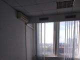 Без комиссии Аренда офиса 60м2 на Соломенской площади Офисный центр 9 этаж 60м2 2  кабинета. Хороший ремонт, кондиционеры, все коммуникации, пропускная система, лифты.  Цена 280 грн./м2 включая эксплуатационные ...