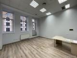 Аренда офисного помещения Площадью - 184, 5 м2, 3/6 этаж, офисный ремонт, кабинетная система. Бизнес-центр оснащен современными коммуникациями: собственная трансформаторная подстанция, приточно-вытяжная ...