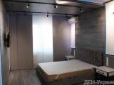 ЖК Лазурный блюз.   Просторная, уютная квартира с дизайнерским ремонтом из качественных, натуральных материалов. Две раздельные комнаты, кухня, два санузла, гардеробная, застекленные балкон и лоджия.  ...