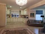 Продажа дома в Киево-Святошинском районе, с. Дмитровка, ул. Лесная. 2 этажа, участок - 15 соток, общая площадь - 240 м2, кухня - 45 м2, 3 спальни, кабинет, холл, столовая, 2 санузла. Качественный ремонт ...
